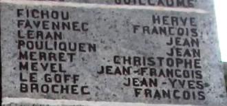 Jean François Mével sur le monument aux morts